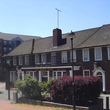 The White Hart Inn Pub, Grays